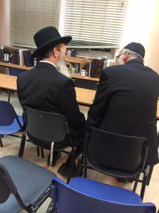 Rav Botschko et Rav Melamed étudiant ensemble